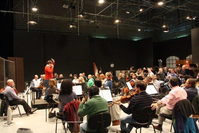 La Orquesta Sinfónica de Baleares ofrecerá esta semana tres conciertos en Palma, Girona y Barcelona